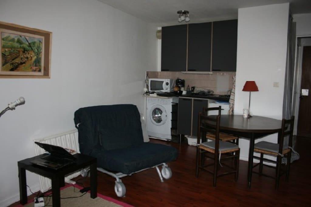studio centre parking toulouse appartements louer toulouse midi pyr n es france. Black Bedroom Furniture Sets. Home Design Ideas
