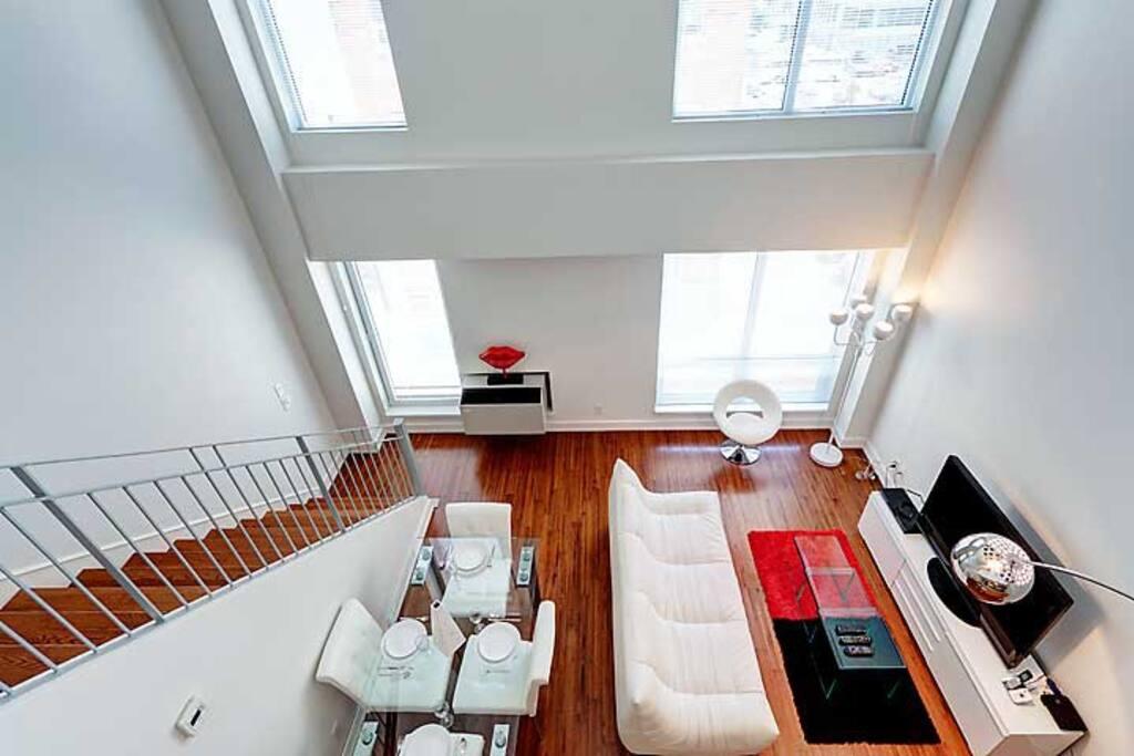 Elegant two floor apartment quebec for Two floor apartment