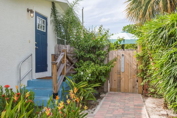 Spacious 2 BR home in desirable Waterfront area
