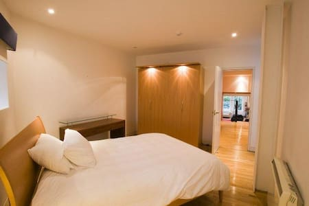 MOST CENTRAL PROPERTY116 GRAFTON ST