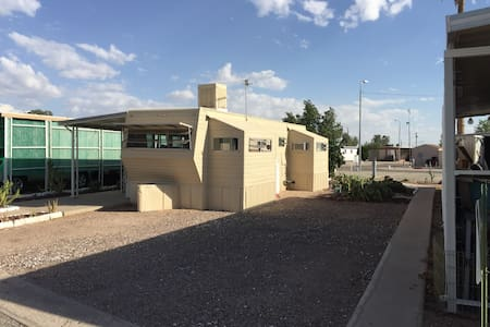 Artist's Tiny Home 55+ Only - Apache Junction
