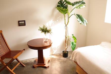 Sunny private room near SNU! - Gwanak-gu