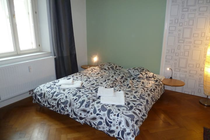 Large room with panorama view - Innsbruck - Appartement