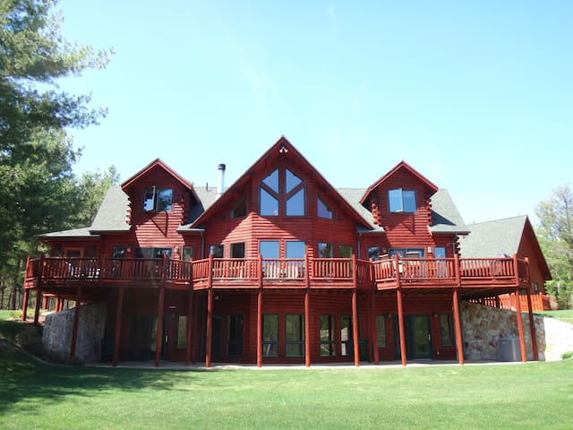 Whiteface and Lake Placid Grand Meadows Lodge - Upper Jay - House