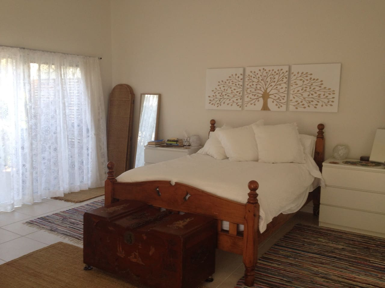 Large, light and breezy, you will be totally comfortable in this self contained studio