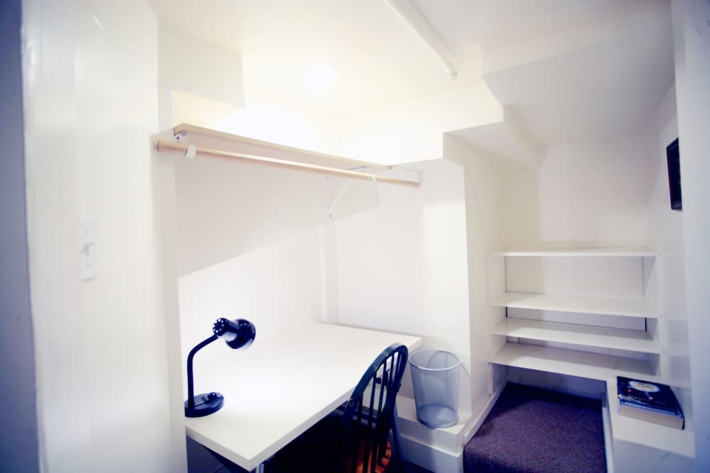 Extra Room for Office or 2nd large walk-in closet