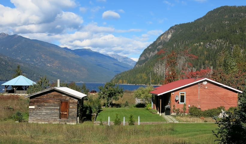 Driftwood Vacation Rental Home - Slocan - Huis