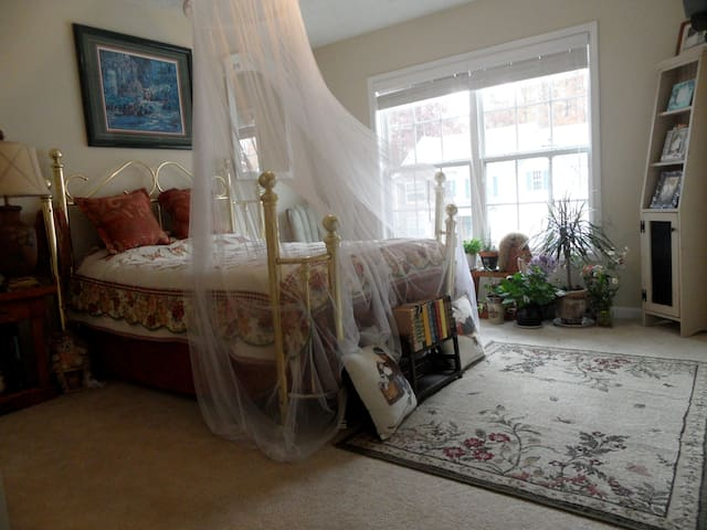 Country Room - Snellville - House