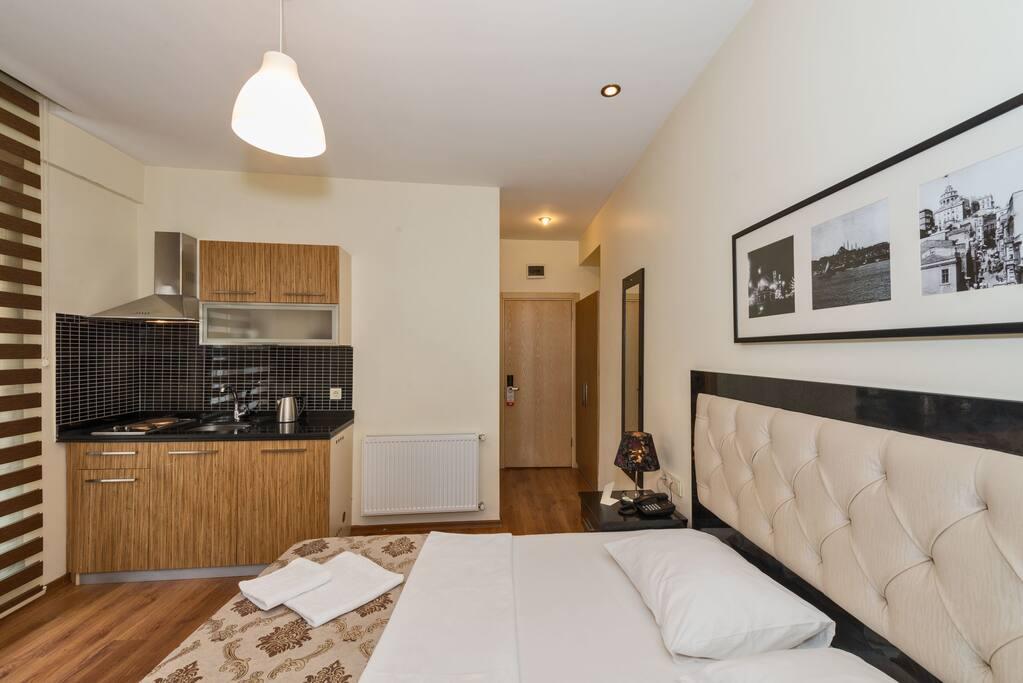 Suite Room (2 Person)