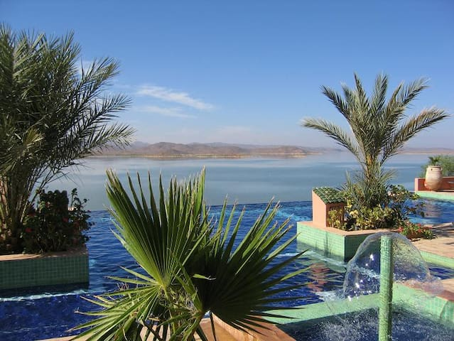 les tourmalines - Ouarzazate - Vila