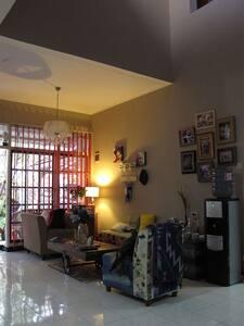 Rooms rent in arcamanik,nice neighboourhood
