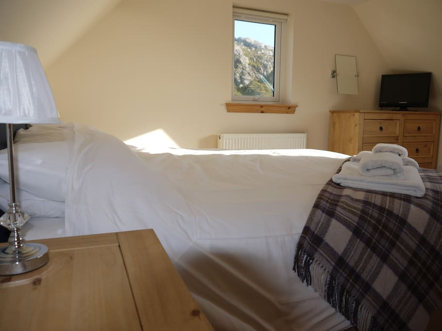 The gorgeous Cottage bedroom, with super-king or twin beds
