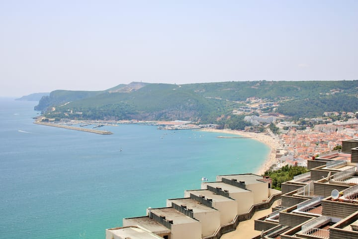 Charming house with an amazing sea view - Sesimbra