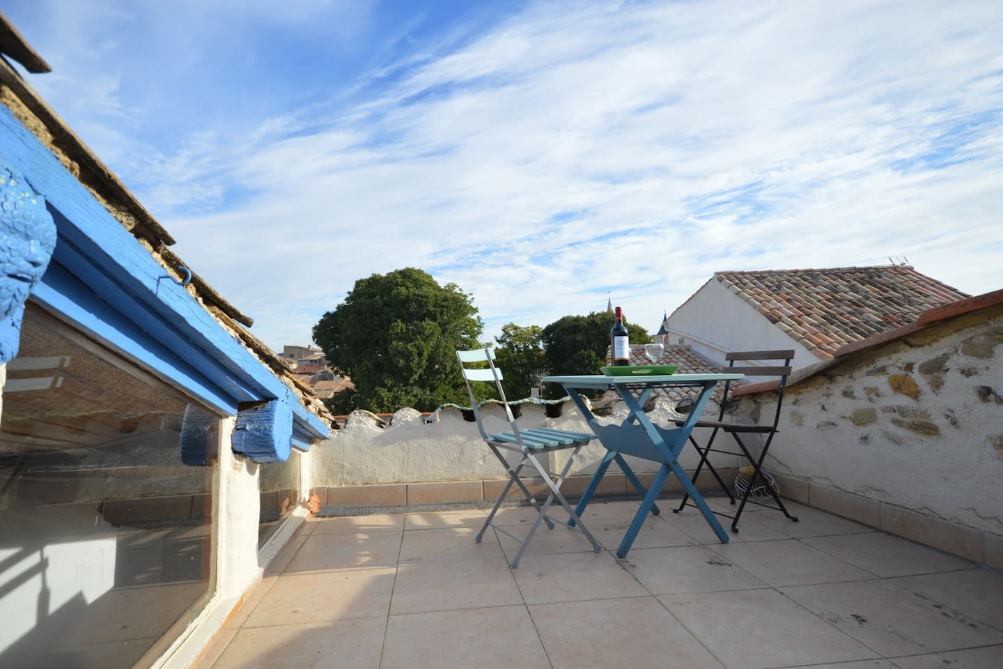 private sunny terrace, great for evening meals.