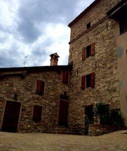 Mansarda in Torre / Medieval Tower - Ca' De' Grimaldi