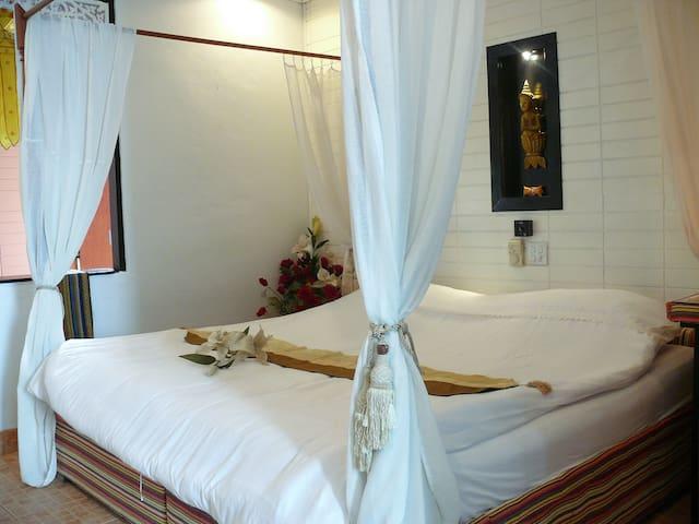 Deluxe room with private Bathroom - Pa Tan - Wikt i opierunek