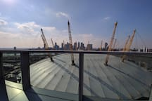 18th floor rooftop garden with views of the O2 and riverside. Amazing!