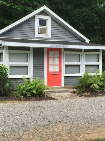 Fern Glen Cottage - South Haven - Hytte