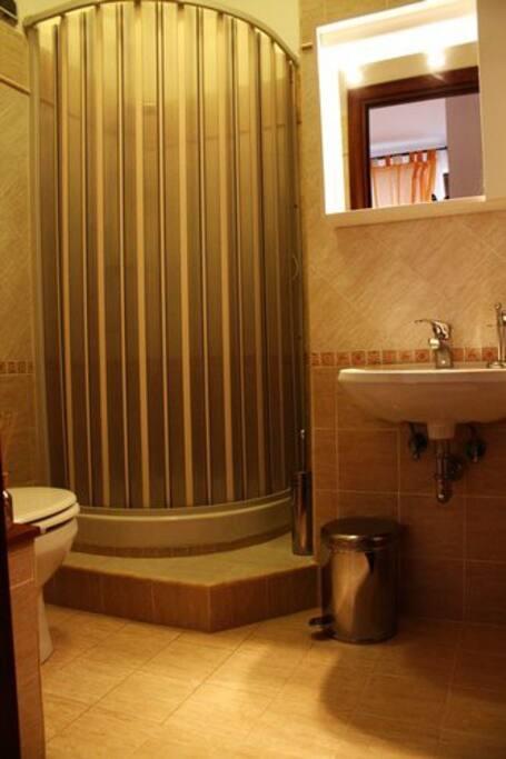 L'interno di uno dei bagni