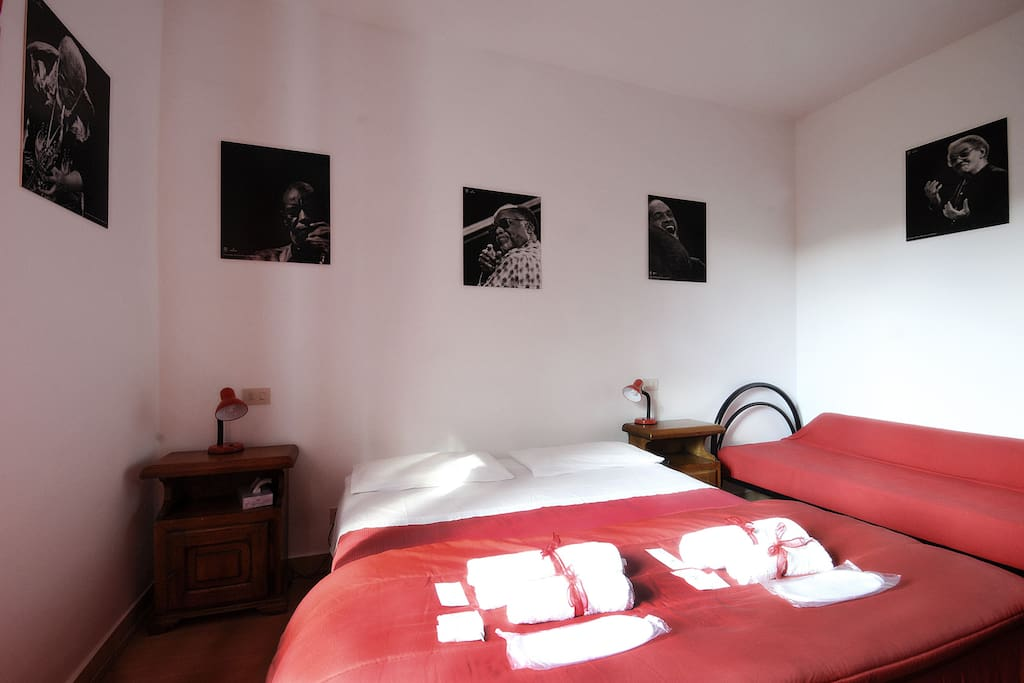 B&B La Casa del Frenz Red Room