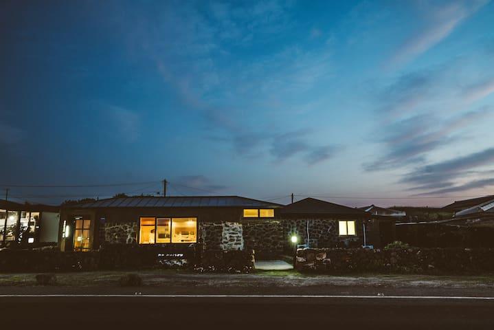 Traditional stone house near Jeju - Mamaison Blue