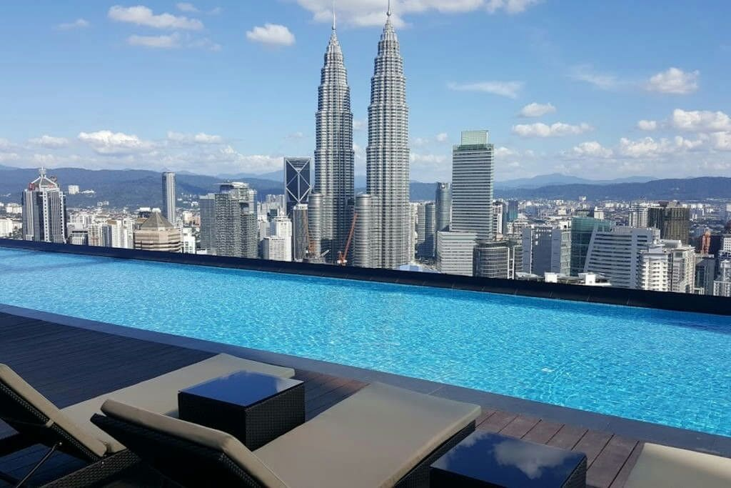 Rooftop Infinity Pool Entire 2 Rooms Near Klcc Apartments For Rent In Kuala Lumpur Federal