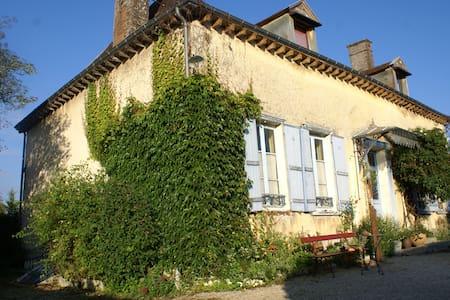 Maison à la campagne avec jardin - Clérey - Rumah