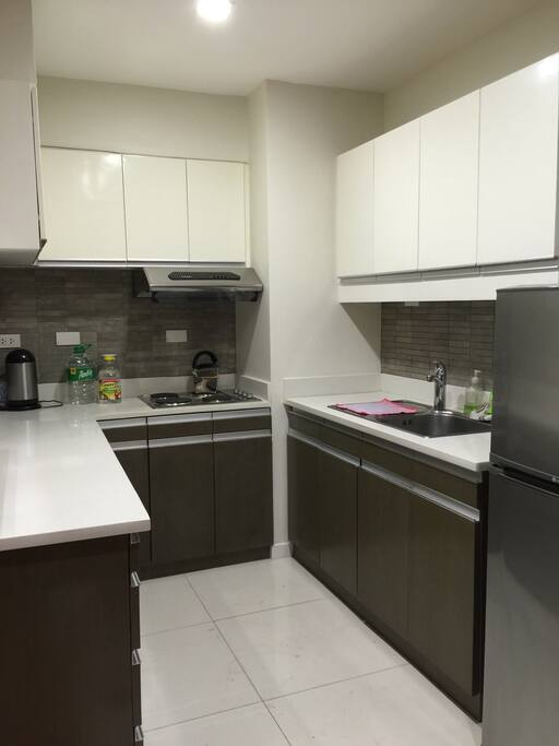 Perfect loft by makati greenbelt condominiums for rent for Perfect kitchen philippines