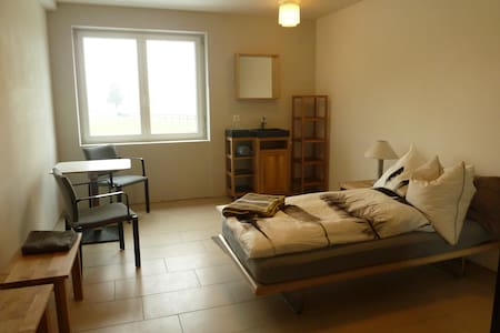 room in horse driving riding center - Ettiswil - Bed & Breakfast