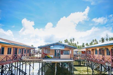 Arung Hayat Mabul Standard Room 1 - Bed & Breakfast
