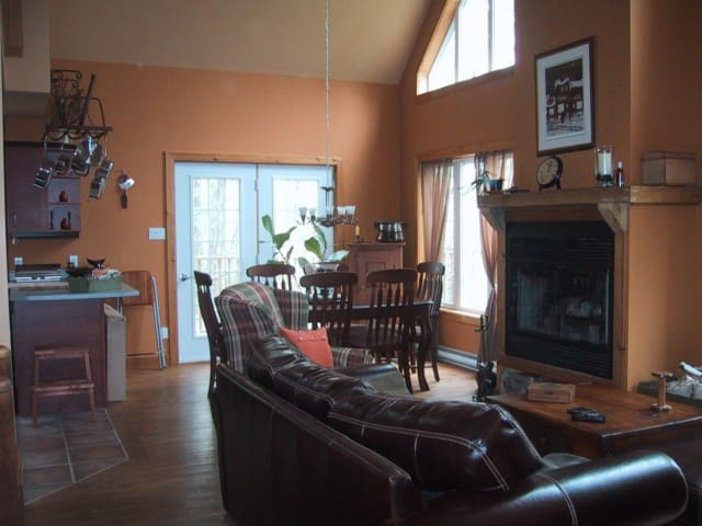 Romantic Chalet in Forest Setting - Mont-Tremblant - Chalet