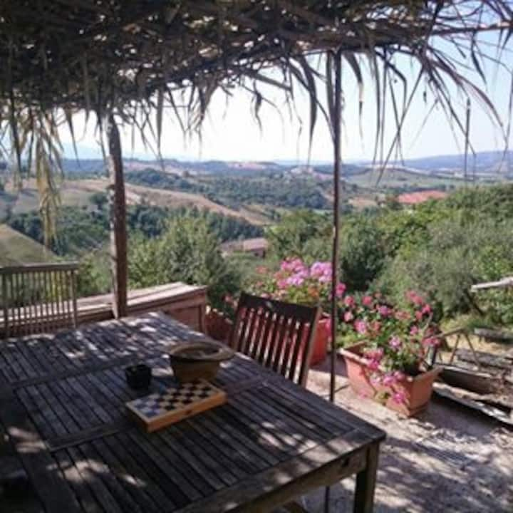 Umbrian townhouse with great views
