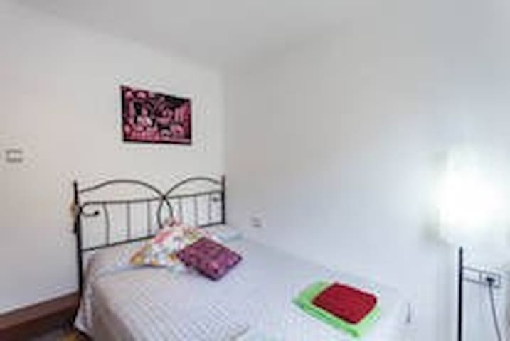double bed room - Pineda de Mar - Daire