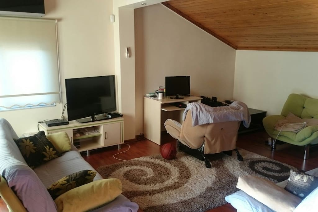 The room in third floor. can be used if more than 2 people there are.