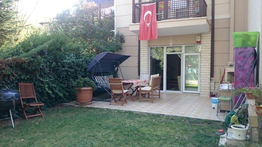 Lovely home with garden in Cayyolu - Yenimahalle - วิลล่า