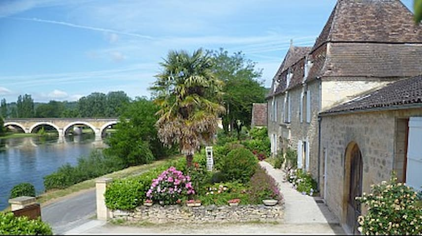 DOUBLE ROOM ARMANSE for 4 people - Saint-Cyprien - Bed & Breakfast