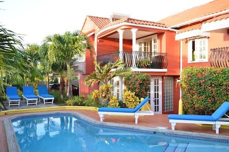 Villa Amarillo - Luxury Oceanview VillaTrueBlue