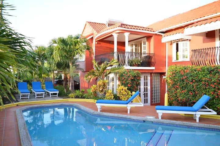 Villa Amarillo - Luxury Oceanview VillaTrueBlue