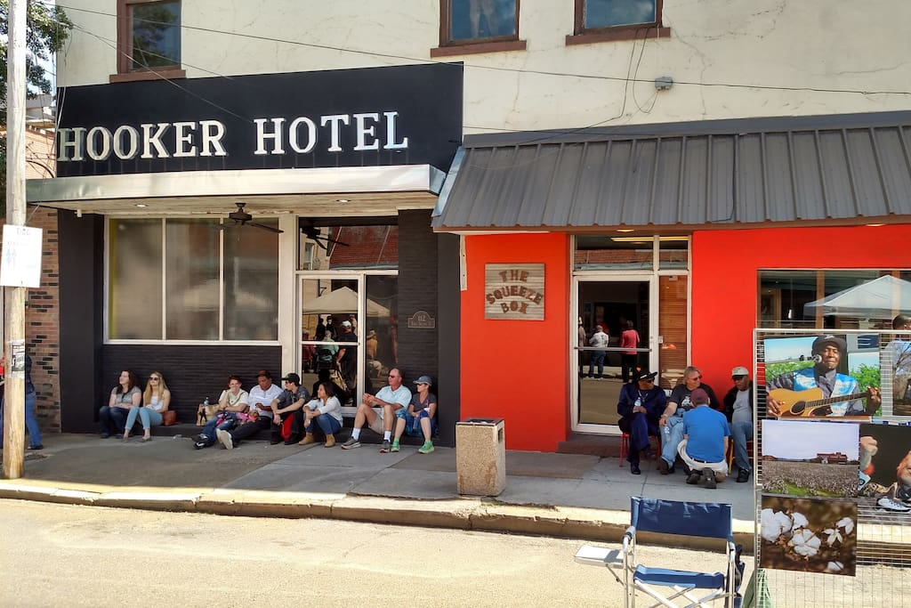Hooker Hotel Rated 1 Quot 5 Star Quot Apartments For Rent In