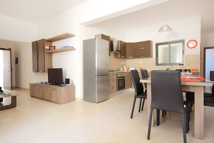 Spacious apartment - Village centre