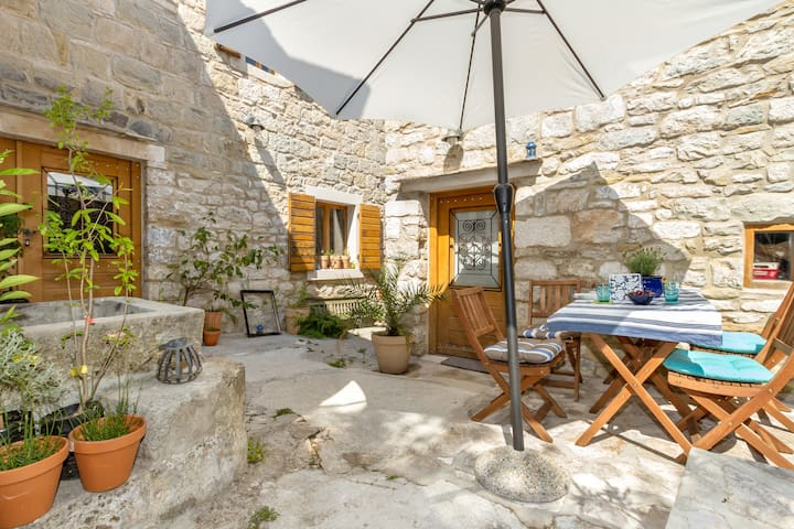 Small stone house - Split - Apartamento