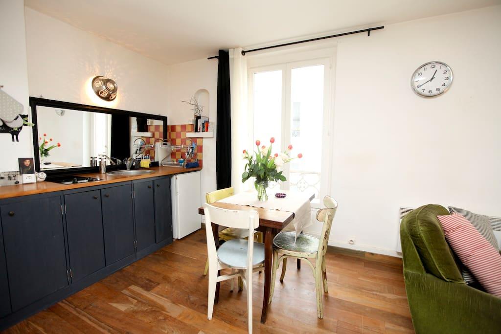 Your romantic cosy loft wifi 24h flats for rent in for Restaurant 24h paris