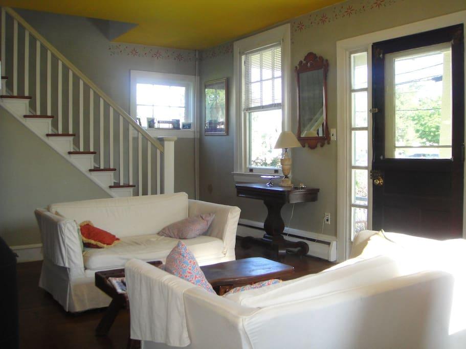 paoli malvern close to train h user zur miete in malvern pennsylvania vereinigte staaten. Black Bedroom Furniture Sets. Home Design Ideas