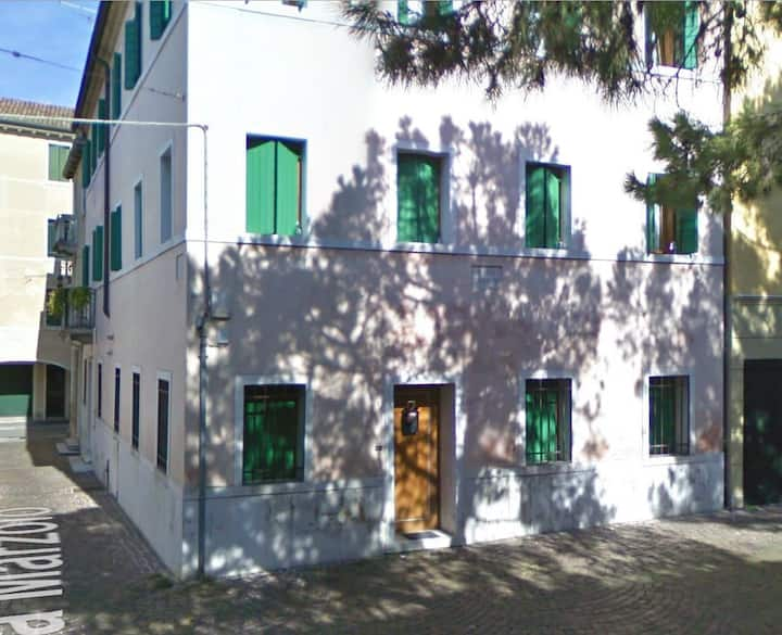 TREVISO (close to VENICE) – 1/4 BEDS APARTMENT