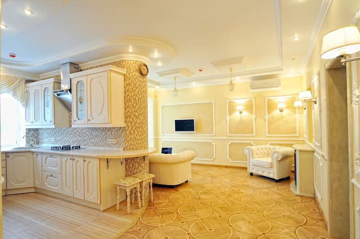 The apartment in the Center of Kiev - เคียฟ