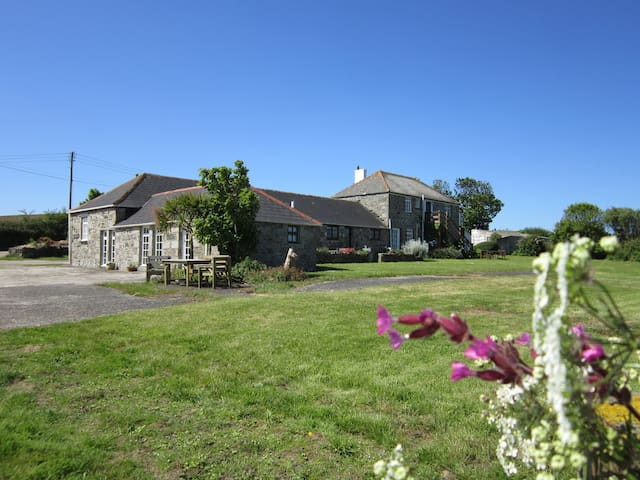 The Cartlodge at Menifters Holiday Cottages - Manaccan - Apartemen