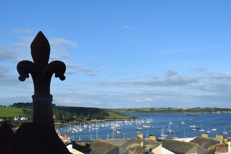'No. 17' Town House with Sea View - Falmouth - Casa
