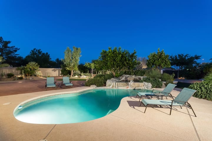 FALL SPECIAL Casa Paraiso Luxury 3 BR Home/ PVT Pool/ Scottsdale