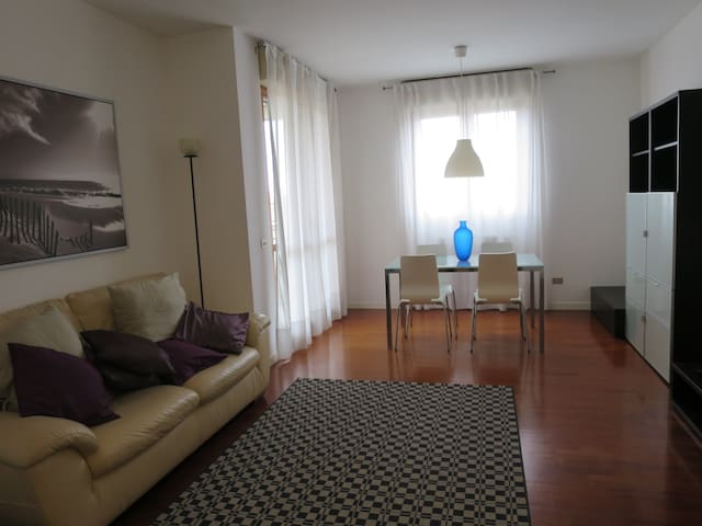 Charming 2 bedroom apartment - San Donato Milanese - Appartement