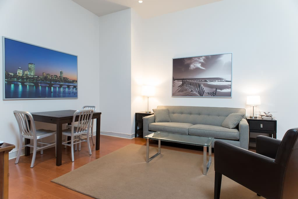 Spacious Downtown Two Bedroom Apartments For Rent In